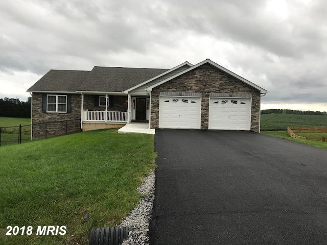 Like new 3 bed, 3 full bath, custom rancher located on beautiful lot with magnificent views. Shaker