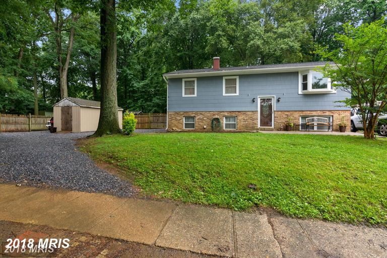 This Great home with almost .5 acre lot is nestled in a quiet Eastport neighborhood minutes from dow