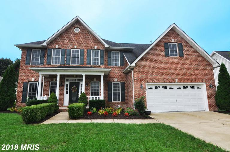 SPECTACLAR! MUST SEE 5-BR, 4.5-BA Colonial w/28x13 in-ground pool. An entertainer's dream! Near Rts