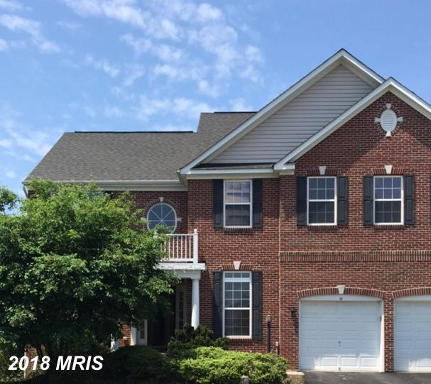 FORMER MODEL, LOTS OF BELLS AND WHISTLES, BEAUTIFUL 2 STORY FOYER, FORMAL LIV/DIN RMS,STUDY, SPACIOU