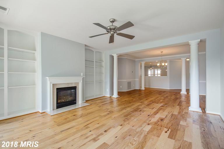 923 OYSTER BAY PLACE  302, DOWELL MD 20629