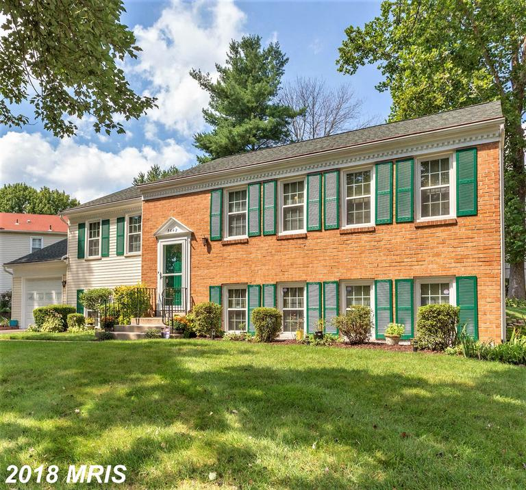 Immaculate House: 5 BDRMS ( 3 up & 2 downstairs) & 3 Full Baths ( 2 up & 1 down). Beautiful hardwd f