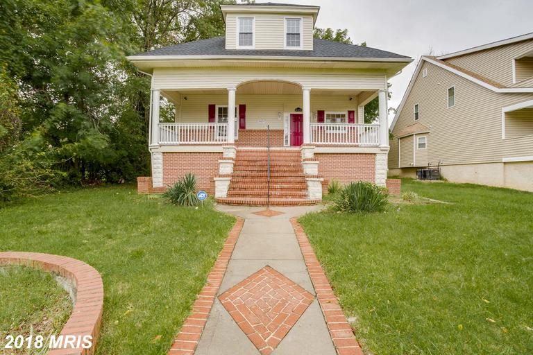 Wow just beautiful! Luxury renovated 7 bedrooms, 4 baths, family room, separate dinner room and kitc