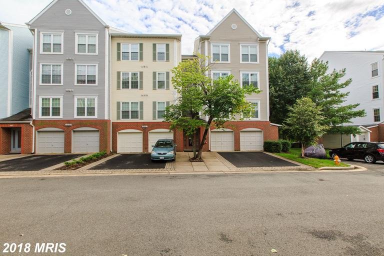 Gorgeous Sun Drenched TOP floor Condo in desirable HILLWOOD. TWO BED/TWO BATH with a LOFT and a GARAGE! Tons of space and storage. Updates galore, including BOTH BATHS and the KITCHEN! New CARPET and FRESH paint make this home MOVE IN ready! Close to everything, Downtown, Old Town, Airport, 95 and 395.