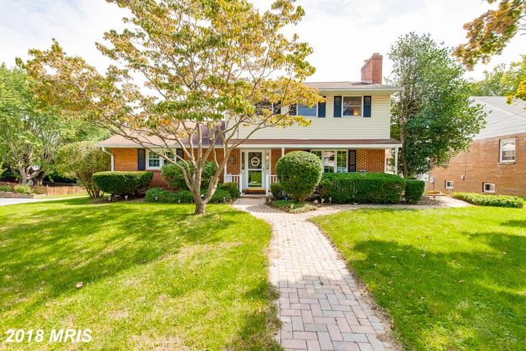 Lovely 4 bed 2 full bath colonial in a well established and highly sought after neighborhood!! This
