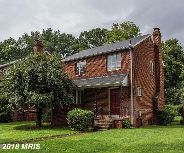 This solid, 3 BR, 2 1/2 BA single family house is located in the highly-desirable neighborhood of AU