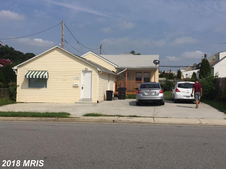 Beautiful Updated Mixed-Use Commercial Zone BL (Typical permitted uses include Retail Sale, Personal