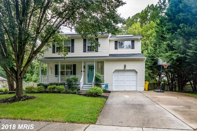Hidden gem , this 4 Bed 2.2 bath home sits just outside of  Annapolis city . Large fenced in backyar