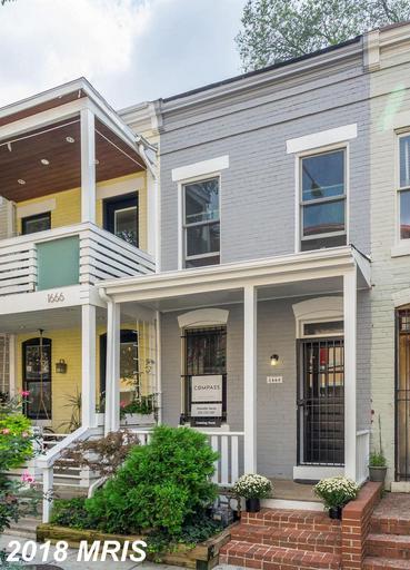 Charming Row home in Adams Morgan! Open floor plan w abundance of indoor+ outdoor living space. Cove