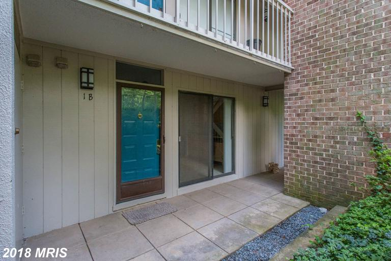 Welcome to this beautifully updated condo in the heart of the historic Lake Anne district. Move in ready with many upgrades! New hardwood floors, new carpet, fresh paint, new SS appliances! With access to a private dock on the lake and Lake Anne Plaza just next door, the location is fantastic!!