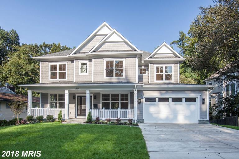 Gorgeous NEW build w/ stunning finishes & privacy. Open floor plan with formal dining rm, butler's p