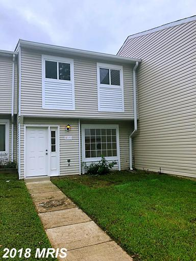 Beautiful Renovated townhouse, 3 Bedrooms and 1.5 Baths! Customized Kitchen, Granite counter top, Ne