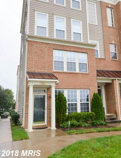 Beautiful 1st floor end unit condo w/ 3 BR, 2-1/2 BA. Luxurious Master BR w/ private balcony & attac
