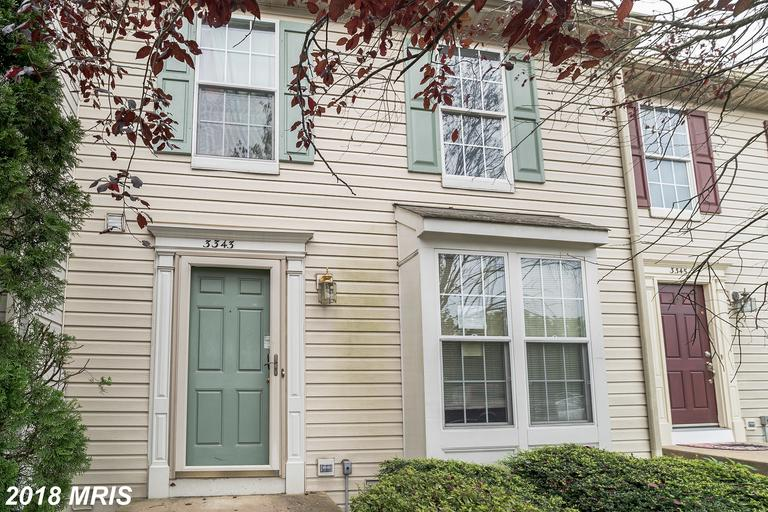 Located in the Princeton Woods neighborhood, this town home was built in 1995 and offers approximate