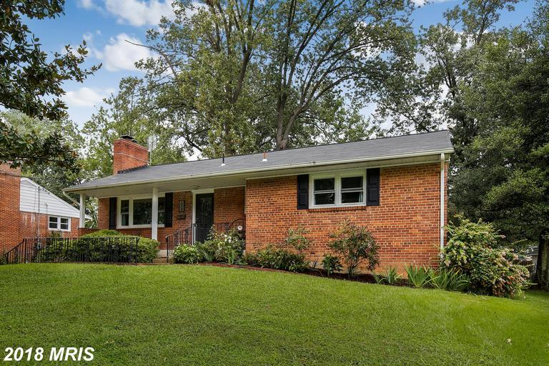 "Fully remodeled brick N.Springfield rambler inside Beltway! Kitchen w/ SS, granite, 42"" cabinets & f"
